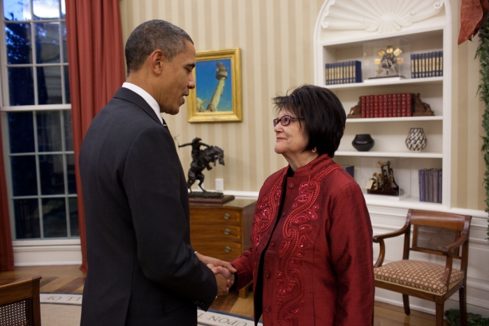 Obama-and-Cobell-WHITEHOUSE_HR